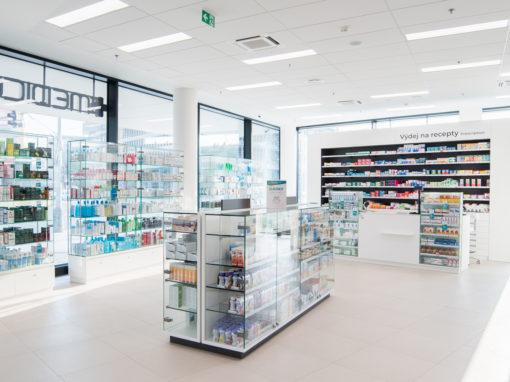 Interiér lékárny a polikliniky Holešovice